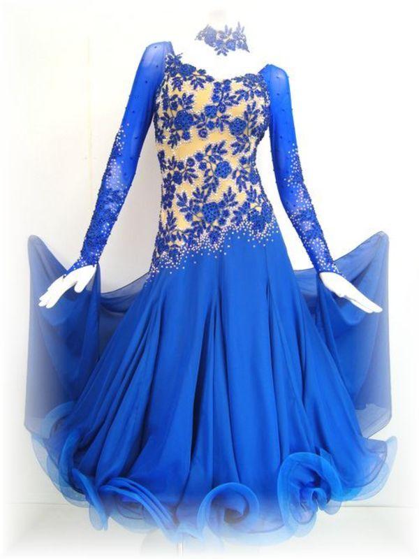 正装ドレスの新作が入荷致しました!