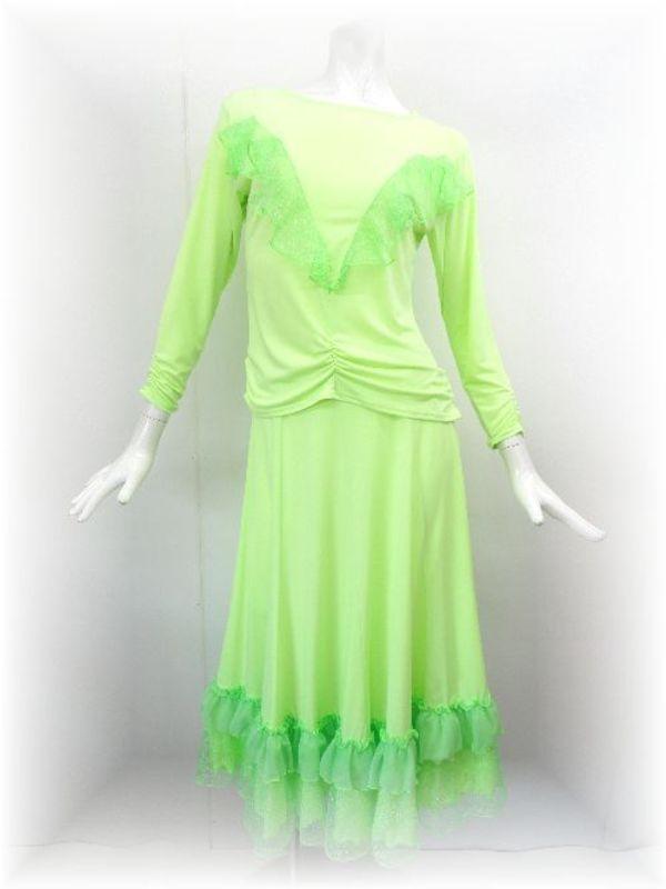 蛍光グリーンの社交ダンススーツ