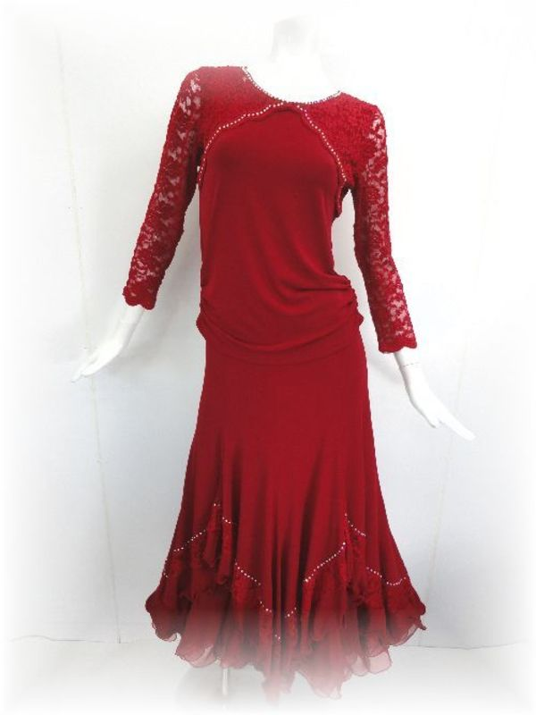 ワインレッドの社交ダンススーツ