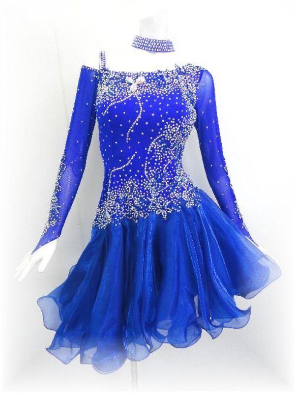 ロイヤルブルーのラテンドレス