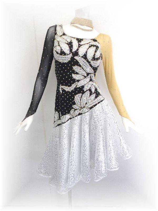 再入荷!人気の白黒ドレス