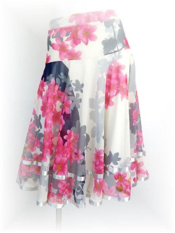 大特価!夏の柄スカート