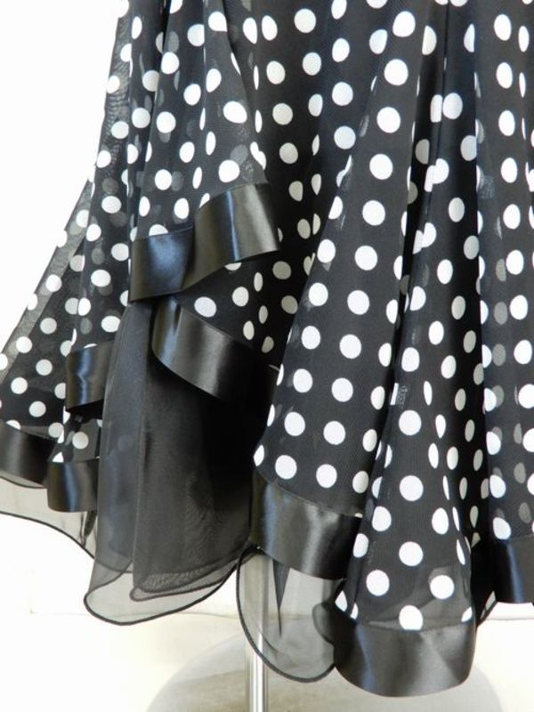 《高品質》【su392】社交ダンス上下スーツ ドット柄 ケープ風 スタンダード ブラック