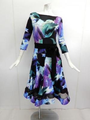 ★新入荷★【wp717】ロングワンピース デザイン柄 裾シースルー
