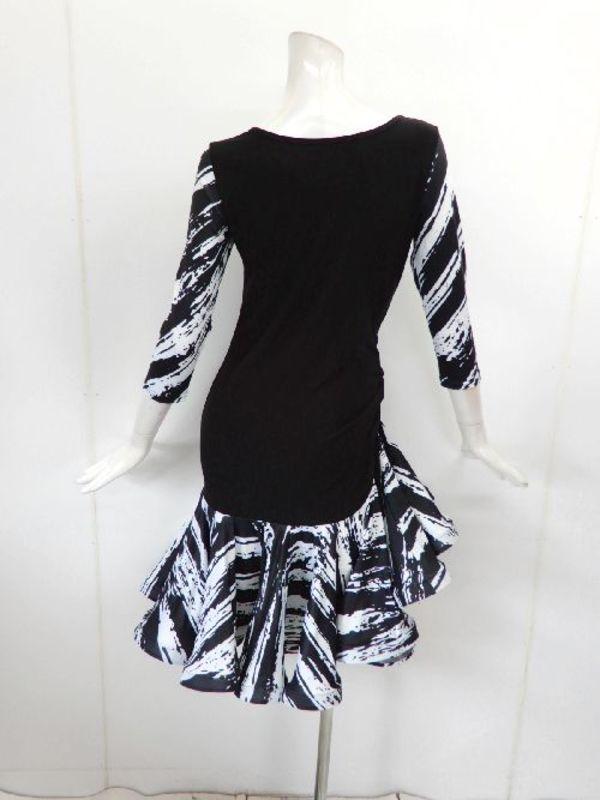 【wp710】社交ダンスラテンワンピース 袖裾モノトーン柄フリル ブラックホワイト