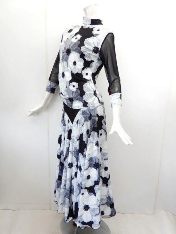 Lサイズ【su444】社交ダンス上下スーツ シンプルT&切替スカート モノトーン花柄