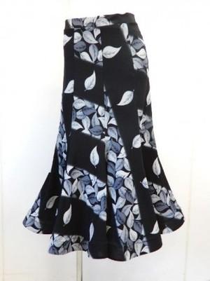 値下げ《高品質》【sk653】社交ダンスロングスカート 8枚はぎ 斜め葉柄 グレー 5500円↓