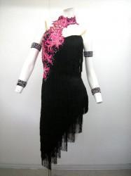 《超特価》【wp102】社交ダンスドレス 正装ラテン 翼 ブラックピンク S 59000円を↓