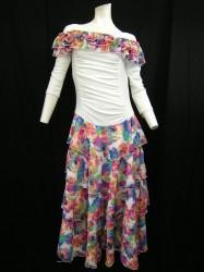 ★春色★【wp390】ロングワンピース オフショルダー 段々スカート ホワイト花柄