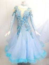 44a7f6bc75617 新入荷 wp658 社交ダンスドレス正装モダン ライトブルー刺繍スパン M 69800