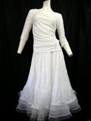 高品質【st863】上下スーツ レース切替ストーン ペチ一体スカート ホワイト